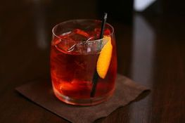 320px-negroni_served_in_vancouver_bc